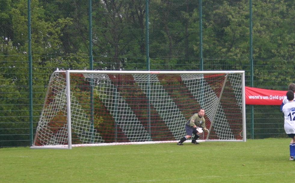 Football_goal_20050521